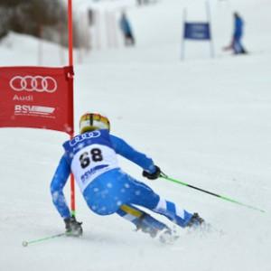 Wolfgang Weißmüller Geschäftsführer Bayerischer Skiverband bei einer Abfahrt